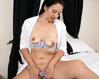 Naughty housewife from the UK gets frisky