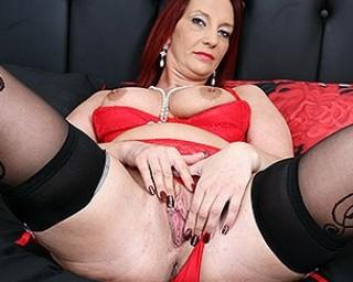 Naughty British mature lady getting wet and wild