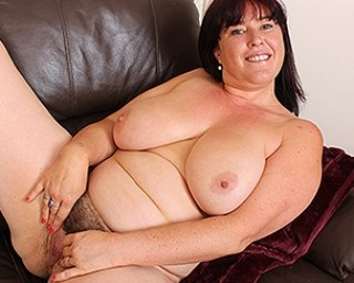 Hairy chubby housewife playing with herself