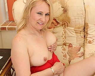 British housewife playing with her pussy