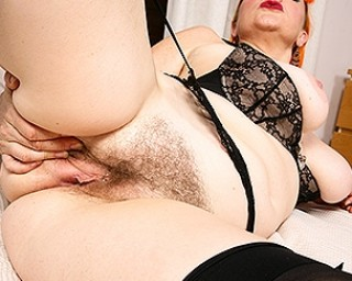 Kinky hairy mom from the UK showing off her dirty mind