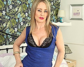 Horny British housewife shoving her panties in her pussy