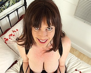 British hairy housewife Janey playing with herself