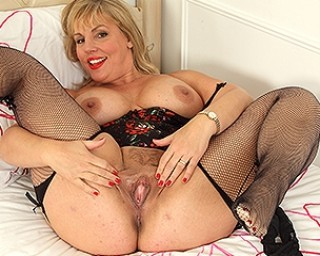 Curvy mom showing off her big tits and dirty mind
