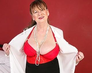Naughty British mature lady getting frisky