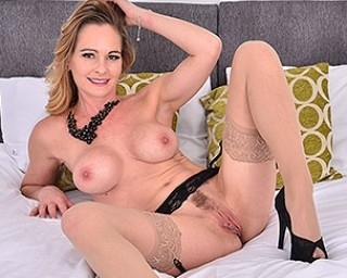 Steamy British MILF playing with herself