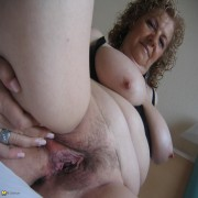 Big titted mature nympho playing with her toys