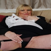 busty mature lady having a great time with herself