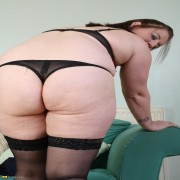 Chubby mature slut taking off all her clothes