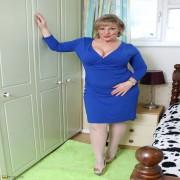 Cute chubby housewife getting very naughty