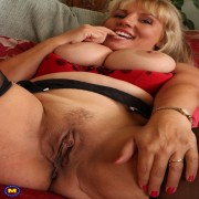 Hot British housewife showing off her dirty mind