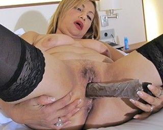 mature Katty loves getting naughty on her own